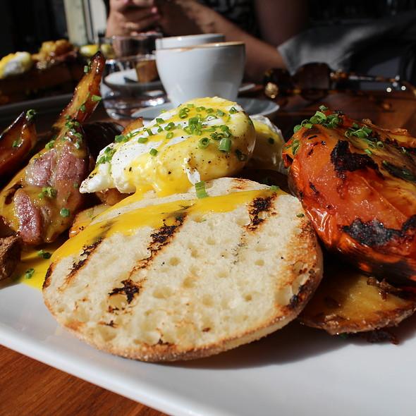 Full English Breakfast @ Hambar