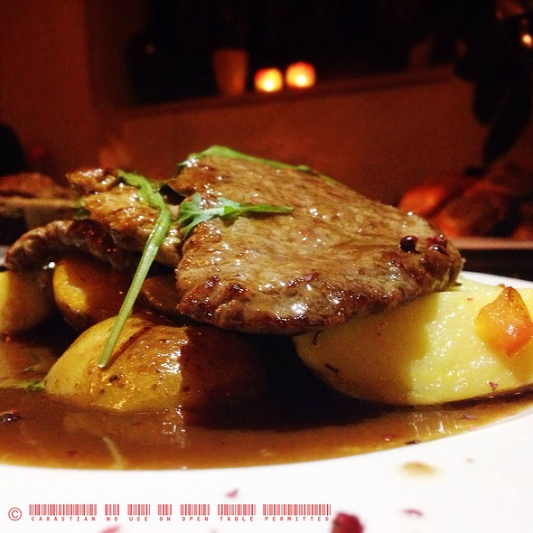 Veal- And Ox Steak In Green Pepper Sauce