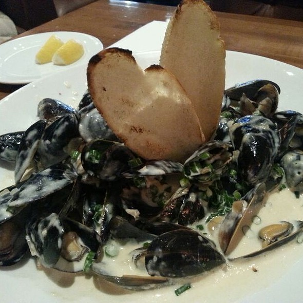 Garlic And Herb Mussels - GrillMarX Steakhouse & Raw Bar, Olney, MD