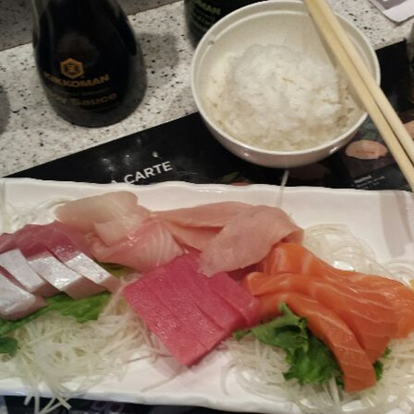 Combination Sashimi Dinner @ Hanabi Sushi Bar