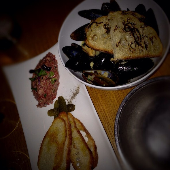 Tuna Tartare & Steamed Mussels