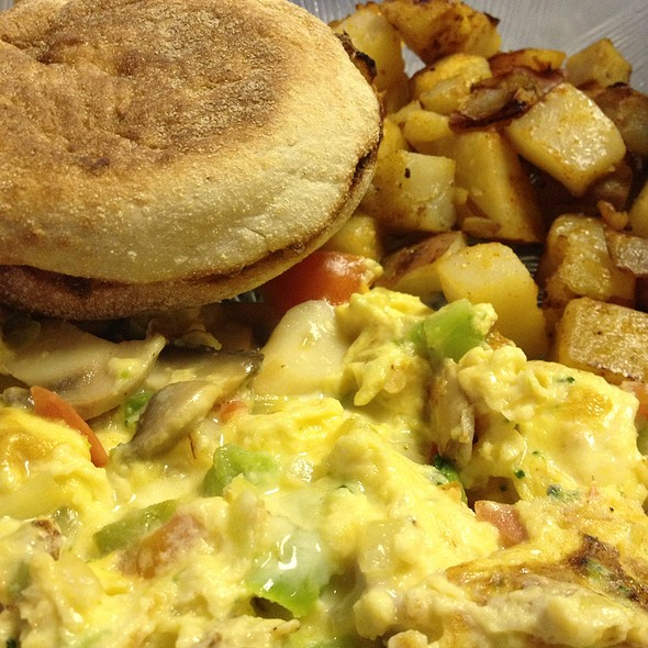 Veggie Scram With Grilled Home Fries At Country Kitchen