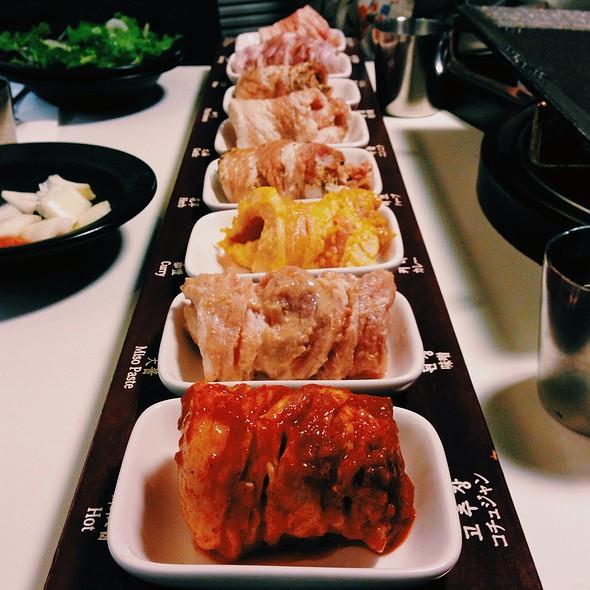 8 Flavors Of Pork Belly @ 팔색삼겹살 Palsaik Samgyupsal Korean Bbq