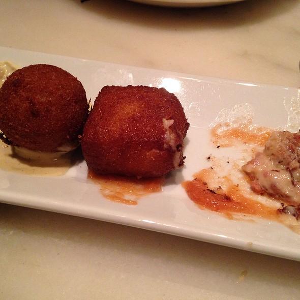 croquetas cremosas - creamy croquettes; three each of mushroom and serrano ham #boqueria ie topia gasm porn  #goodtimes ie #croquettes