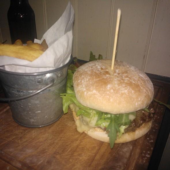 Cheeseburger @ Three Jolly Butchers