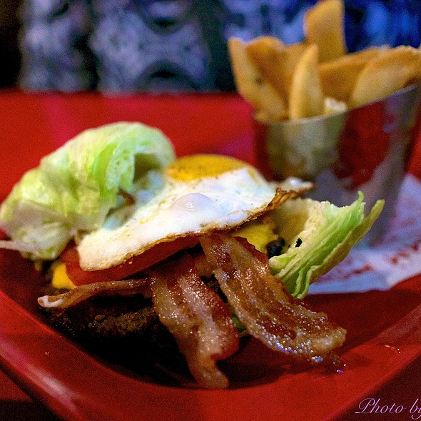Royal Red Robin @ Red Robin Gourmet Burgers