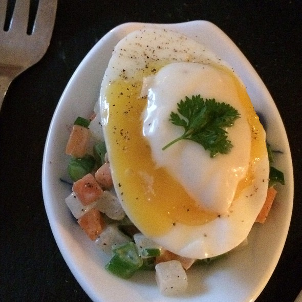 Eggs With Mayo And Greens