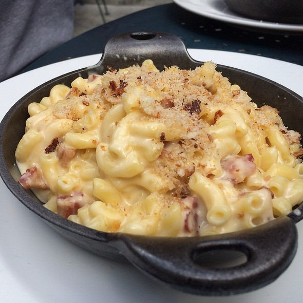 Mac and Cheese @ Radius