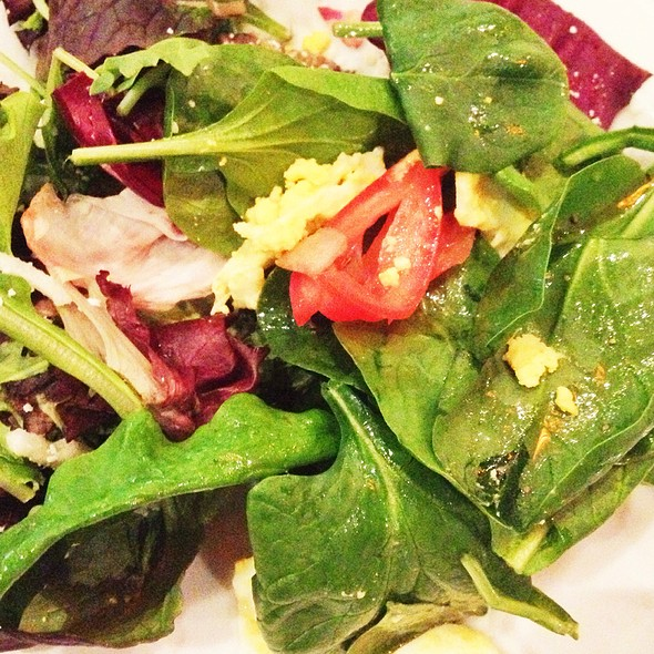 Small Chopped Spinach Salad With Egg White, Corn, Quinoa And Fat Free Balsamic