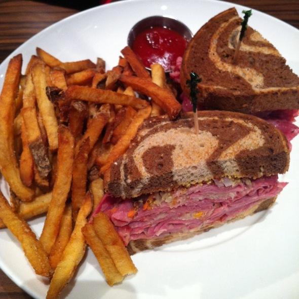 Reuben Sandwich @ Soda Jerks