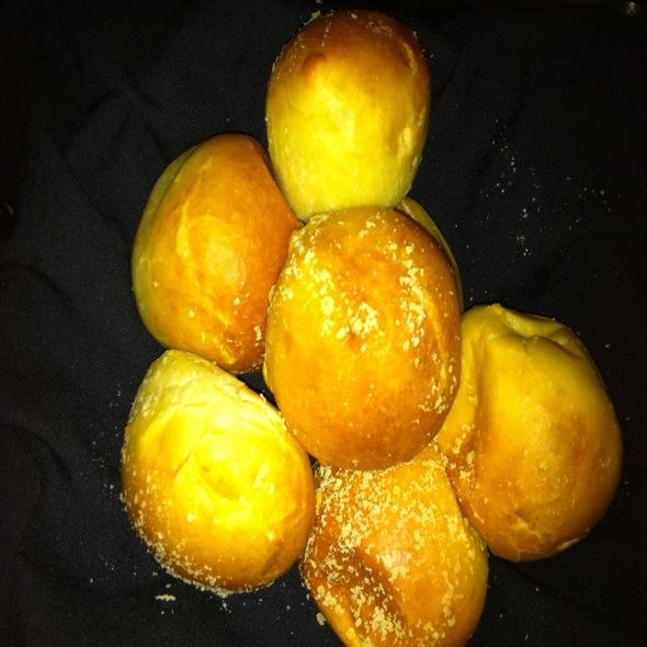 Best Bread In Lexington!!!!! @ Sal's Chop House