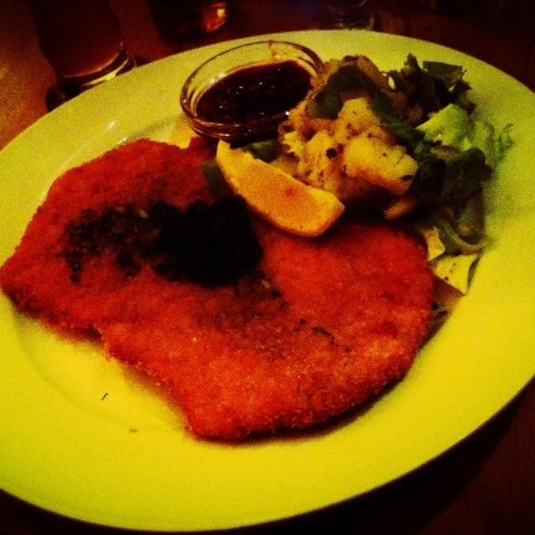 Wiener Schnitzel @ Leopold's