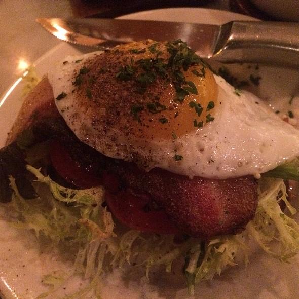 """""""JLT"""" Pork Jowl, Tomato, Frisée, Lemon Aioli & Duck Egg @ The Purple Pig"""