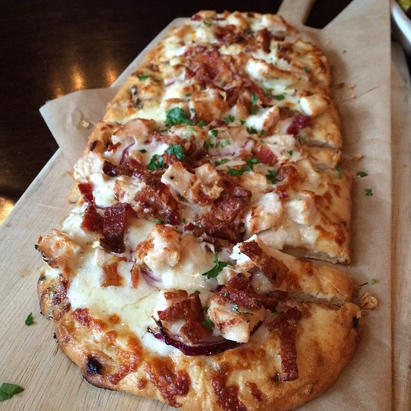 Chicken Bacon Alfredo Flatbread - PARKVIEW KITCHEN AND SPIRITS, Cupertino, CA