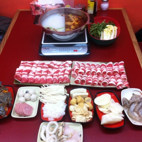 Hot Pot @ Mom's Hot & Numbing Heat