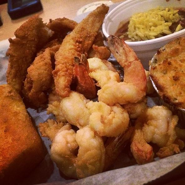 Fried shrimp @ Stonington's Seafood Restaurant