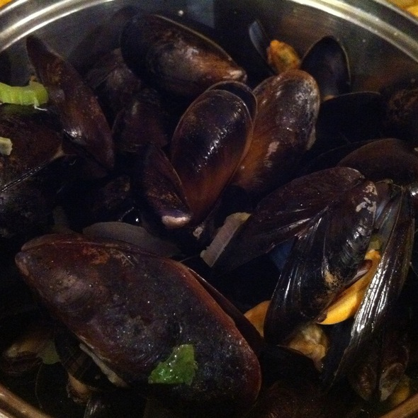 Traditional Mussels @ Belgo