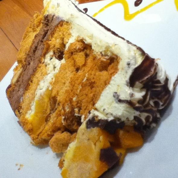 Mango Bravo Cake