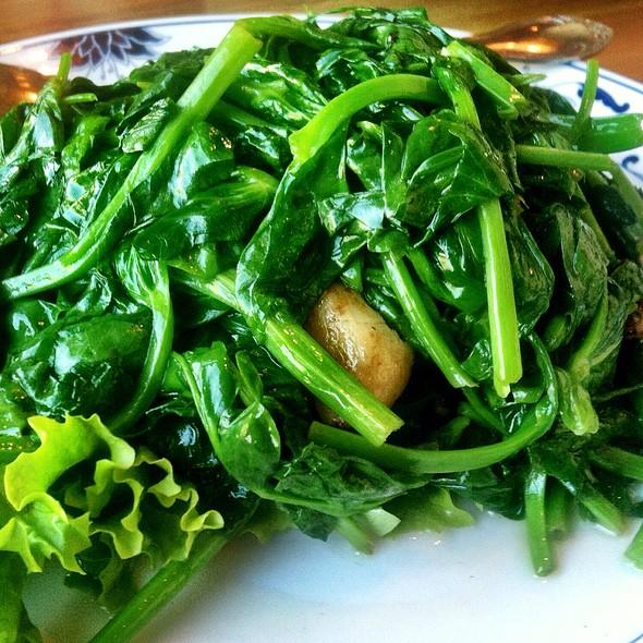 Sauteed Snow Pea Leaves @ Great China