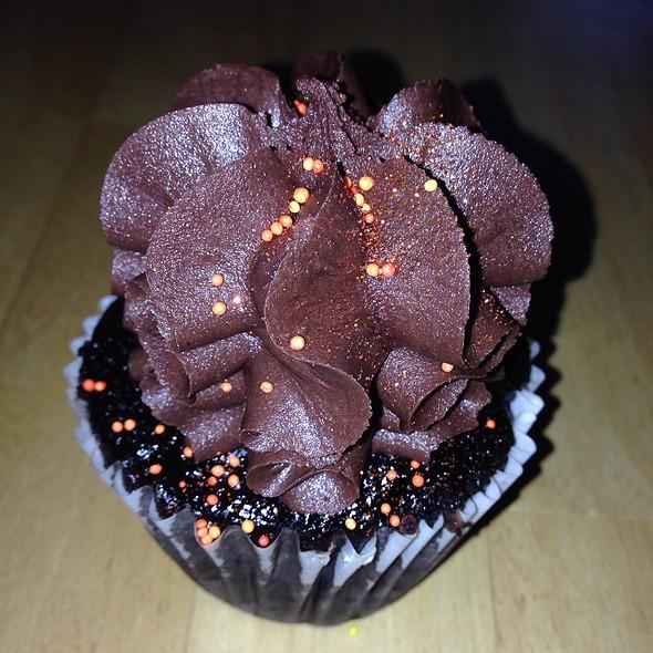 The Alpocalypse Cupcake @ Sugar Mama's Bakeshop