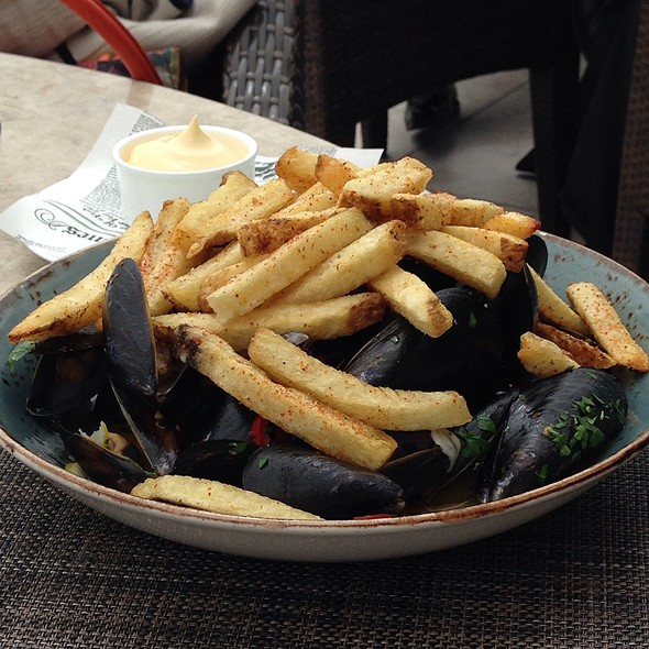 Mussels @ The Bench