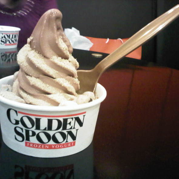 Frozen Yogurt @ golden spoon [eastwood city walk]