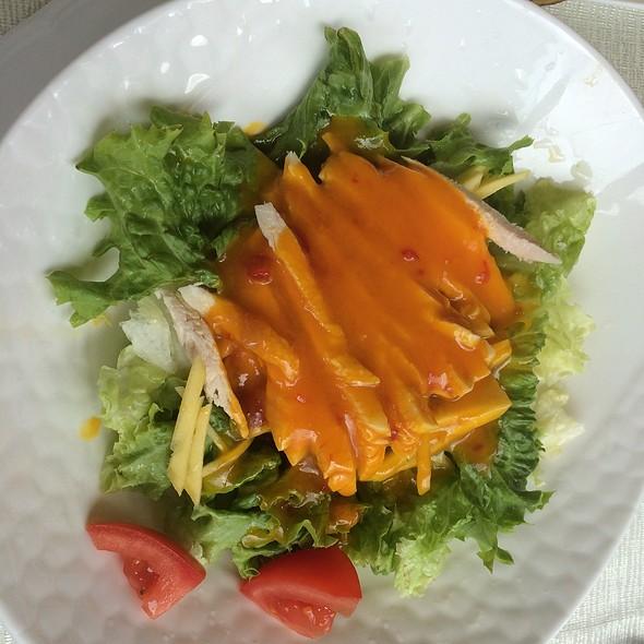 Mango chicken salad @ Asia Gold