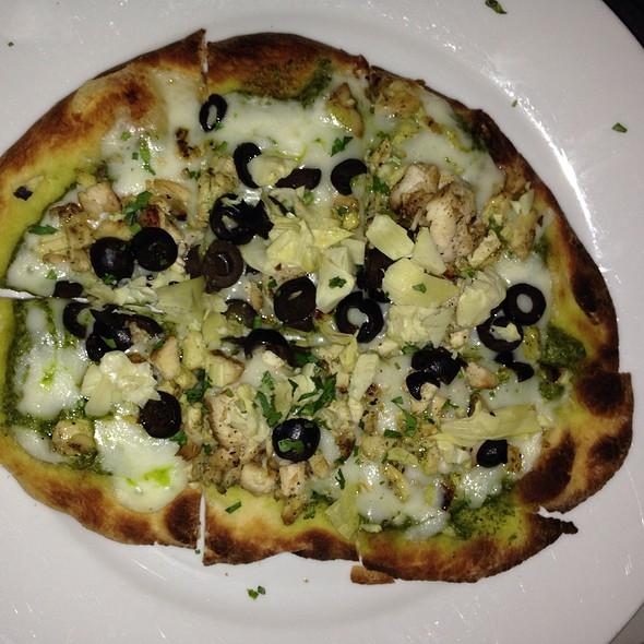 Chicken Pesto Pizza @ Pour House