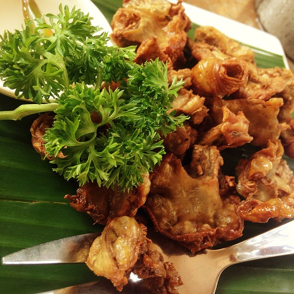 Chicharon Bulaklak (Deep Fried Pork Intestine)