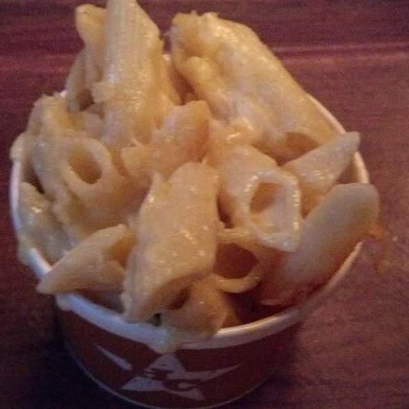 Longhorn Cheddar Mac & Cheese @ Hill Country BBQ