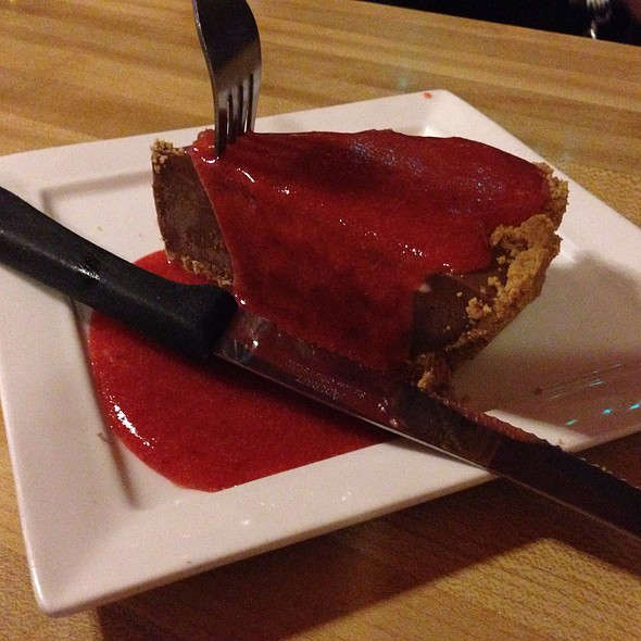 Frozen Chocolate Cheesecake With Strawberry Hananero Sauce