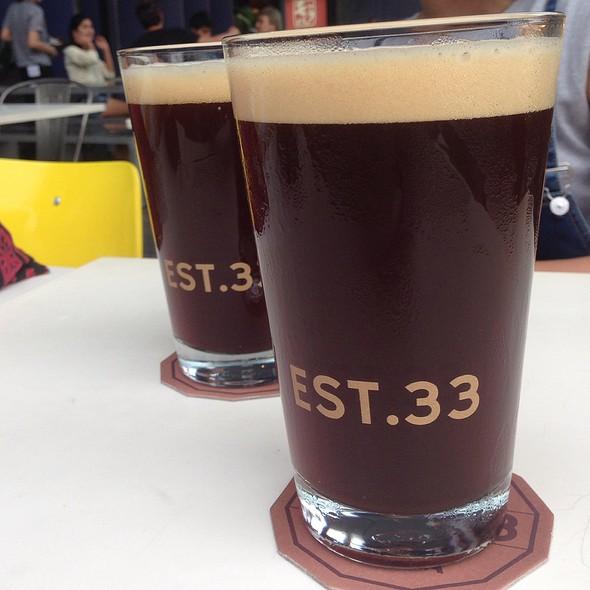 Black Beer @ Est33
