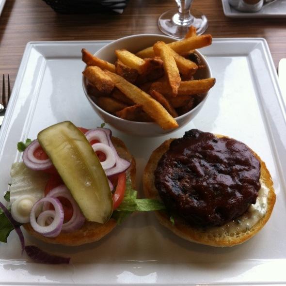 bison burger and fries - Lure Restaurant & Bar - Delta Victoria Ocean Pointe, Victoria, BC