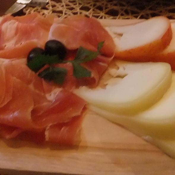 Cheese and Ham @ Tascö