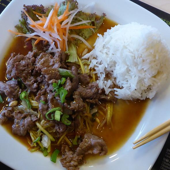 Mangosalad w/ Beef @ Saigon Riverside
