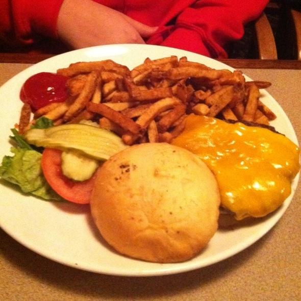 Cheeseburger Platter - The Phoenix Restaurant, Bend, OR