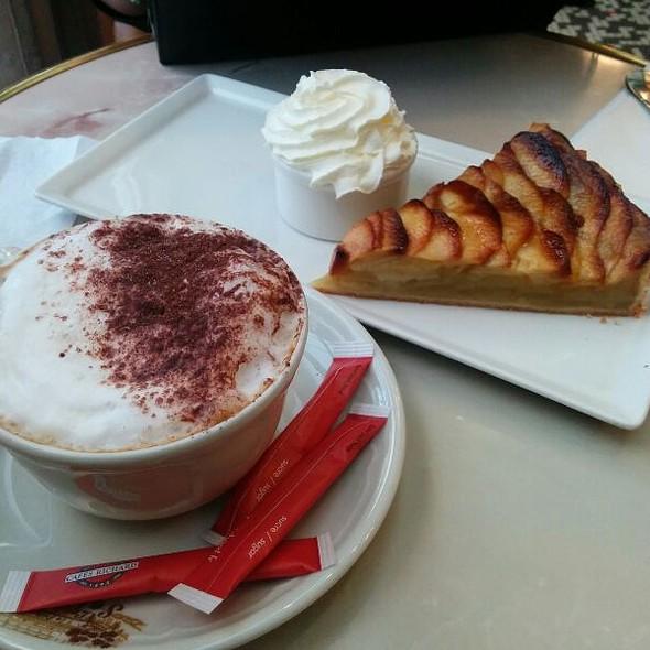 Cafe Gourmand @ Le Select