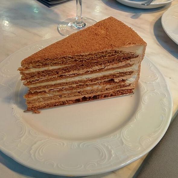 Medovick @ Café Pouchkine