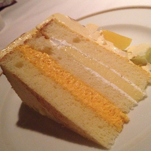 Mango Brûlée Cake