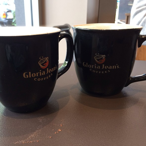 Latte And Chai Latte @ Gloria Jean's Cafe