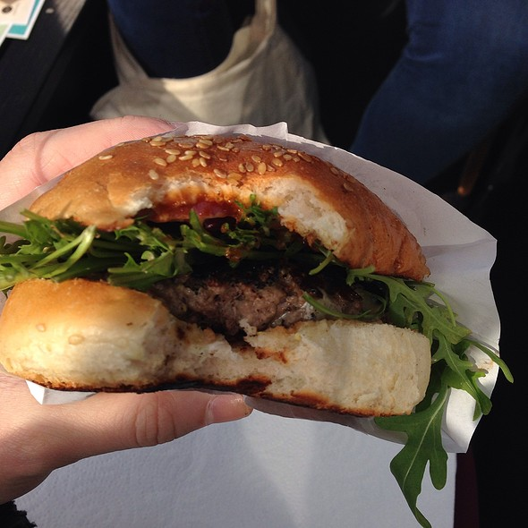 Buns Mobile Hamburger @ Urban Spree