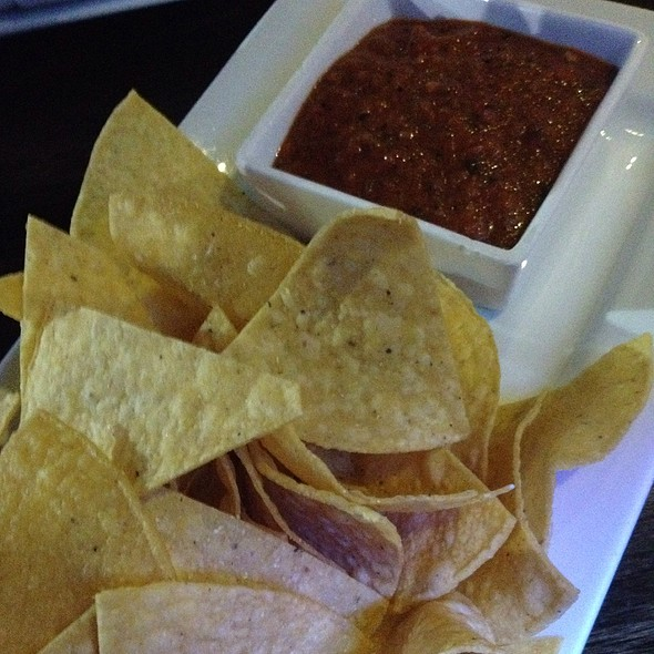Chips and Salsa @ Patria