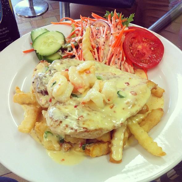 Chicken And Garlic Prawns @ Fatman Catering
