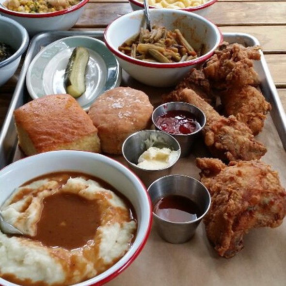 Fried chicken: Half bird, Mashed Potatoes, Biscuit, Pickle @ Punk's Simple Southern Food