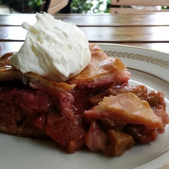 Rhubarb Pie @ Punk's Simple Southern Food
