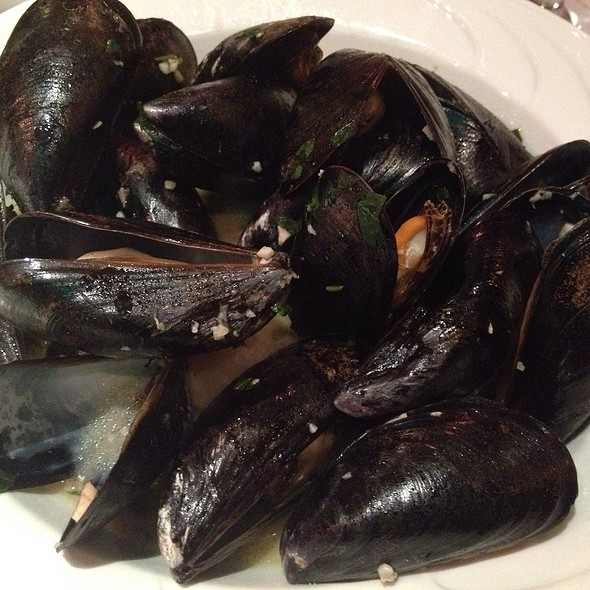 Steamed Mussels @ The Press Box