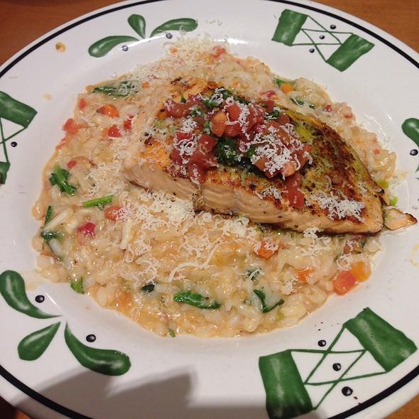 Olive garden menu memphis tn foodspotting - Olive garden chicken alfredo pizza ...