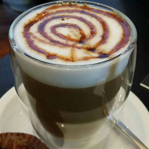 Cafe Latte With Dhibs Syrup  @ Bateel Cafe