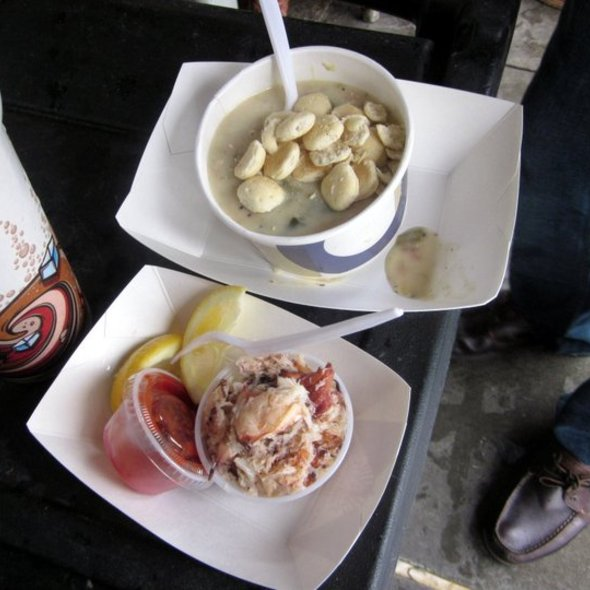 Clam Chowder and Fresh Crab @ Nicks Lighthouse Seafood Stall