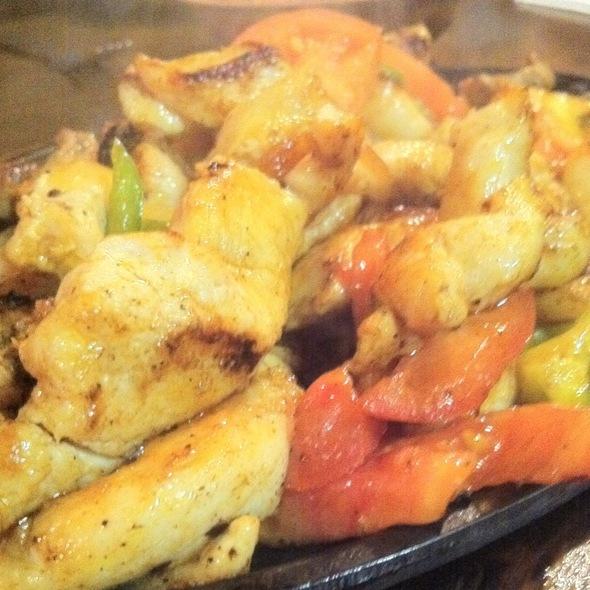 Fajitas Tejas @ El Canelo Restaurant
